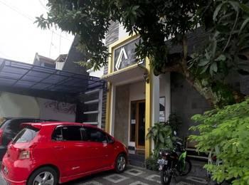 RedDoorz near Museum Batik Yogya
