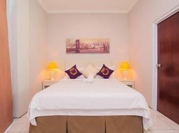 ZenRooms Kuningan Anggrek - Double Room Only Regular Plan