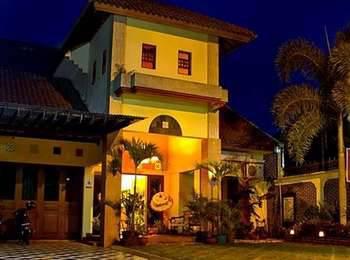 Ndalem Padma Asri Guest House