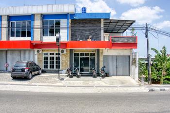 RedDoorz Hostel near Tugu Train Station