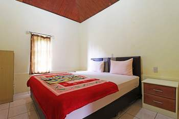 Tuk Tuk Timbul Bungalows Danau Toba - Family Room - Non Refundable Special Deal