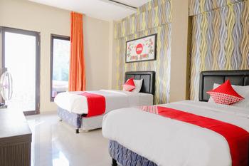 OYO 1024 Palem Asri Residence Syariah Malang - Standard Twin Room Regular Plan