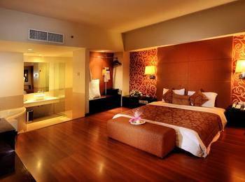Clarion Hotel Makassar - Junior Suite Club Regular Plan