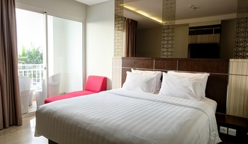 CLARO Makassar Makassar - Deluxe Pool With Breakfast Special Deals