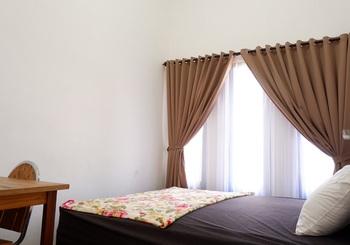 Junrejo K3 Homestay Syariah Malang - Kamar Standard Regular Plan