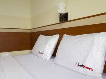 RedDoorz @Wastu Kencana Bandung - Reddoorz Room Regular Plan