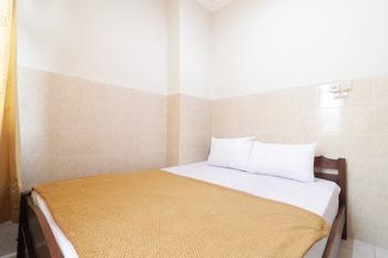 Hotel Omah Ampel Surabaya - Superior AC Shared Bathroom Room Only NR Last Minute Deal