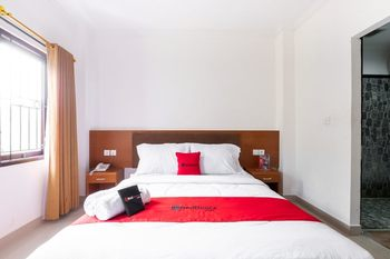 RedDoorz near Art Centre Bali Bali - RedDoorz Room Regular Plan
