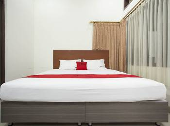 RedDoorz near Balai Kota Surabaya - RedDoorz Room Regular Plan