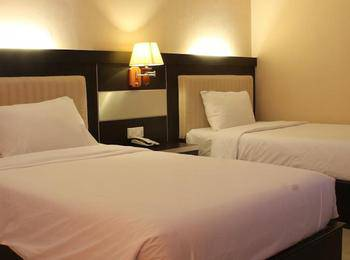 Hotel Zahra Kendari - Superior Room Twin with Breakfast Regular Plan