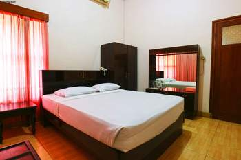 Armyn Luxury Guest House Malang - Junior Suite Minimum Stay - 42%