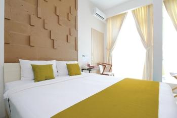Hazotel Semarang - Hasanah Room - With Breakfast Regular Plan