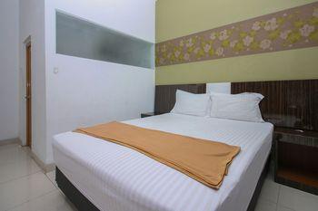 Aira Rooms Tangerang Selatan - Standard Double Room Only Regular Plan