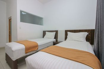 Aira Rooms Tangerang Selatan - Standard Twin Room Only Regular Plan