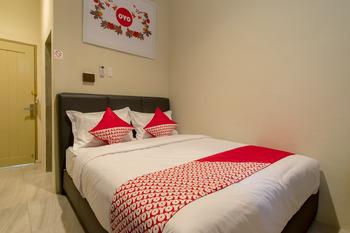 OYO 545 Vosstel Medan -  Standard Double Room Regular Plan