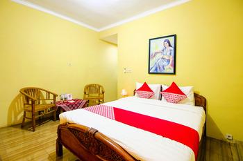 OYO 2047 Opak Village Bed & Breakfast Near RSUD Bantul Yogyakarta - Standard Double Room Last Minute