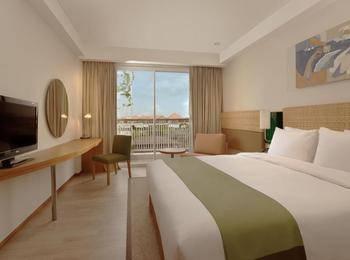 Holiday Inn Express Bali Raya Kuta Bali - Deluxe Balcony Room Regular Plan