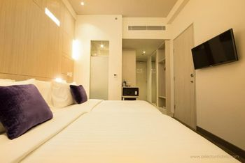 Swiss-Belinn Cikarang Bekasi - Deluxe Twin Room - with Breakfast Regular Plan