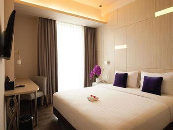 Swiss-Belinn Cikarang Bekasi - Deluxe Double Room Only Regular Plan