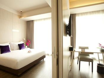 Swiss-Belinn Cikarang Bekasi - Suite Room Twin - with Breakfast Regular Plan