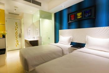 Karebosi Premier Makassar Makassar - Superior City View Twin Bedroom  Regular Plan