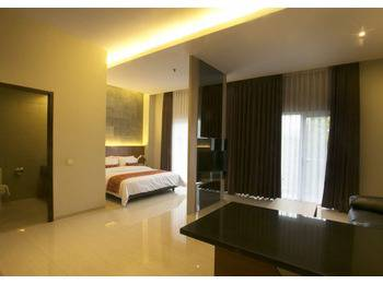 Moscato Hotel and Cafe Bandung - Family Suite Room Only Regular Plan
