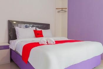 RedDoorz Plus @ Tuparev Cirebon 2 Cirebon - RedDoorz Room 24 Hours Deal