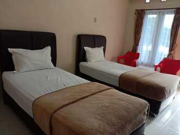 Raja Hotel Samosir Danau Toba - Standard Twin  Regular Plan