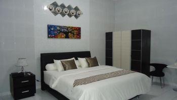 Guesthouse Omah Waris Yogyakarta - Superior Shared Bathroom FC 7D min Stay 2N