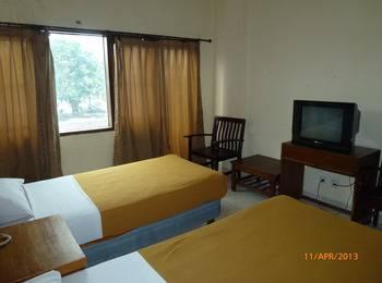Hotel Nusantara Tanah Abang - Deluxe Room Regular Plan