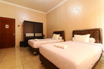 Oase GuestHouse Medan Medan - Standard Room Long stay