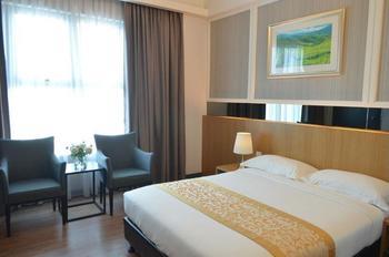 Hotel Transit Kuala Lumpur - Superior Room, 1 Queen Bed Hemat 30%