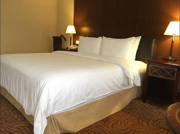 The Regency Hotel Kuala Lumpur - Superior Suite, 1 King Bed, Non Smoking, City View Hemat 30%