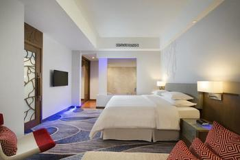 Four Points by Sheraton Manado - Grand Suite, 1 King Bed, Sea View Regular Plan