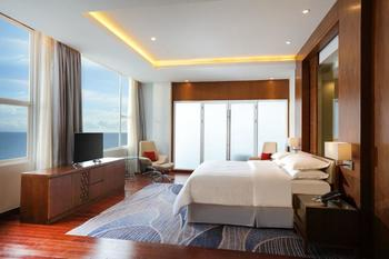 Four Points by Sheraton Manado - Presidential Suite, 1 King Bed, Sea View Regular Plan