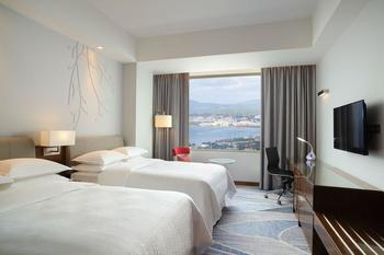 Four Points by Sheraton Manado - Deluxe Room, 2 Twin Beds, Sea View Regular Plan