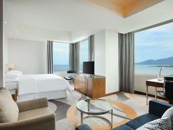 Four Points by Sheraton Manado - Deluxe Suite, 1 Bedroom, Sea View Regular Plan
