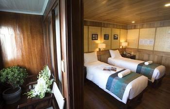 Bhaya Cruises Ha Long - Kamar Premium, 1 Tempat Tidur Double atau 2 Tempat Tidur Twin, balkon, pemandangan laut Hemat 19%