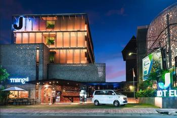 J Hotels Kuta