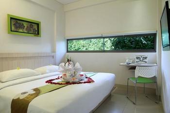 J Hotels Kuta Bali - Kamar Double (Cozy with Breakfast ) Hemat 35%