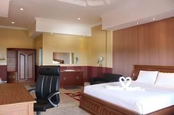 Imelda Hotel - Waterpark - Convention Padang - Deluxe Room Regular Plan