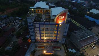 Her Hotel & Trade Centre Balikpapan