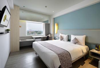La Lisa Hotel Surabaya Surabaya - Superior Room Regular Plan