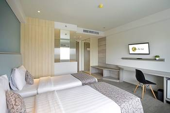 La Lisa Hotel Surabaya Surabaya - Deluxe Room Regular Plan