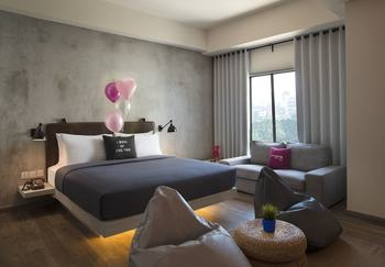 Moxy Bandung Bandung - Suite, 1 Queen Bed, City View (Braga) Regular Plan