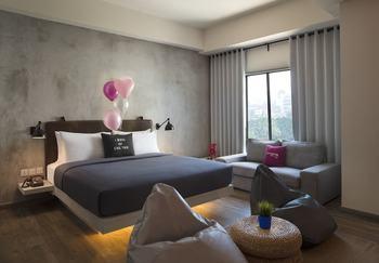 Moxy Bandung Bandung - Suite, 2 Twin Beds, City View (Braga) Regular Plan