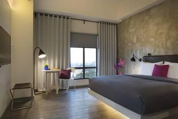 Moxy Bandung Bandung - Deluxe Room, 1 Queen Bed, City View (Dago Deluxe) Regular Plan