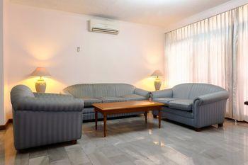 Luxury 3 Bedroom Suite Senopati SCBD By Travelio Jakarta - Apartment, 3 Bedrooms Regular Plan