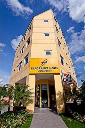 Fragrance Hotel - Waterfront