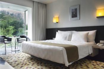 Padma Hotel Bandung - Kamar Premier Regular Plan